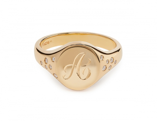 9kt-yellow-gold-signet-ring-with-diamonds_letter