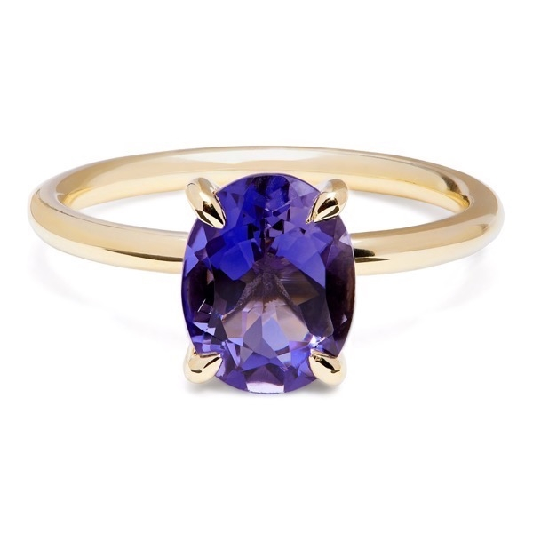 philippa-herbert-alexandra-felstead-cocktail-ring-9kt-yellow-gold-purple-iolite-oval-cut