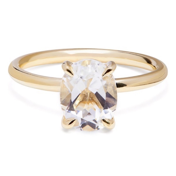 philippa-herbert-alexandra-felstead-cocktail-ring-9kt-yellow-gold-white-topaz-oval-cut